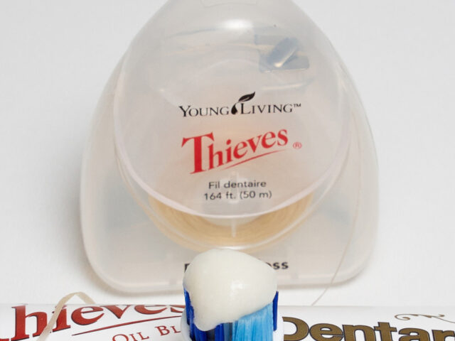 review:Thieves Dental Floss